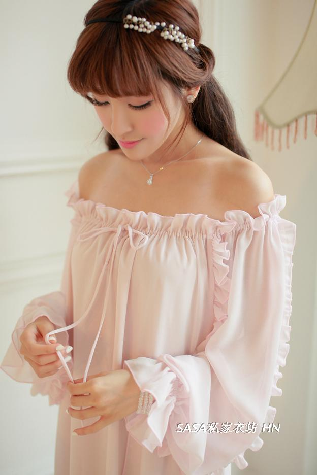 Free Shipping Chiffon Nightgown Women s Long Pijamas Two Color Princess Sleepwear Pink and White Nightshirt