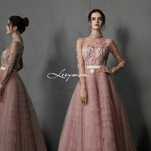 Image 2 - Leeymon Hồng Ren Voan Dạ Hội Cao Cổ Tay Dài Thêu Đính Hạt Đầm Vestido De Noche Form Đầm Suông