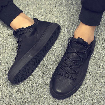 New Hot sale fashion male casual shoes all Black Men s leather casual Sneakers fashion