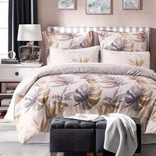 Фотография Lightweight Microfiber Duvet Cover Set with Pillowcases Leaves Print Bedding Set Queen King Size Bed Linen Single Double Bed Set