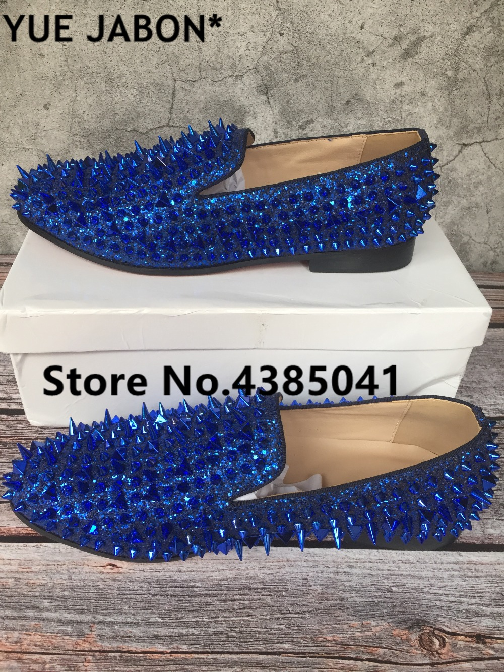 Blue Customized Men Flats Shoes Luxury Shinny Glitter Spikes Shoes Slip On Loafers Rivets Men Casual Shoes Brand Design