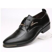 Venta caliente Nueva Moda Hombres Zapatos de Cuero de oxford zapatos para hombres primavera Otoño Hombres Ocasionales de los Planos de Charol zapatos de los hombres tamaño 46