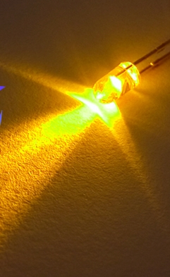 100pcs Through Hole Without Flange 3mm Yellow Candle Flickering LED Diode