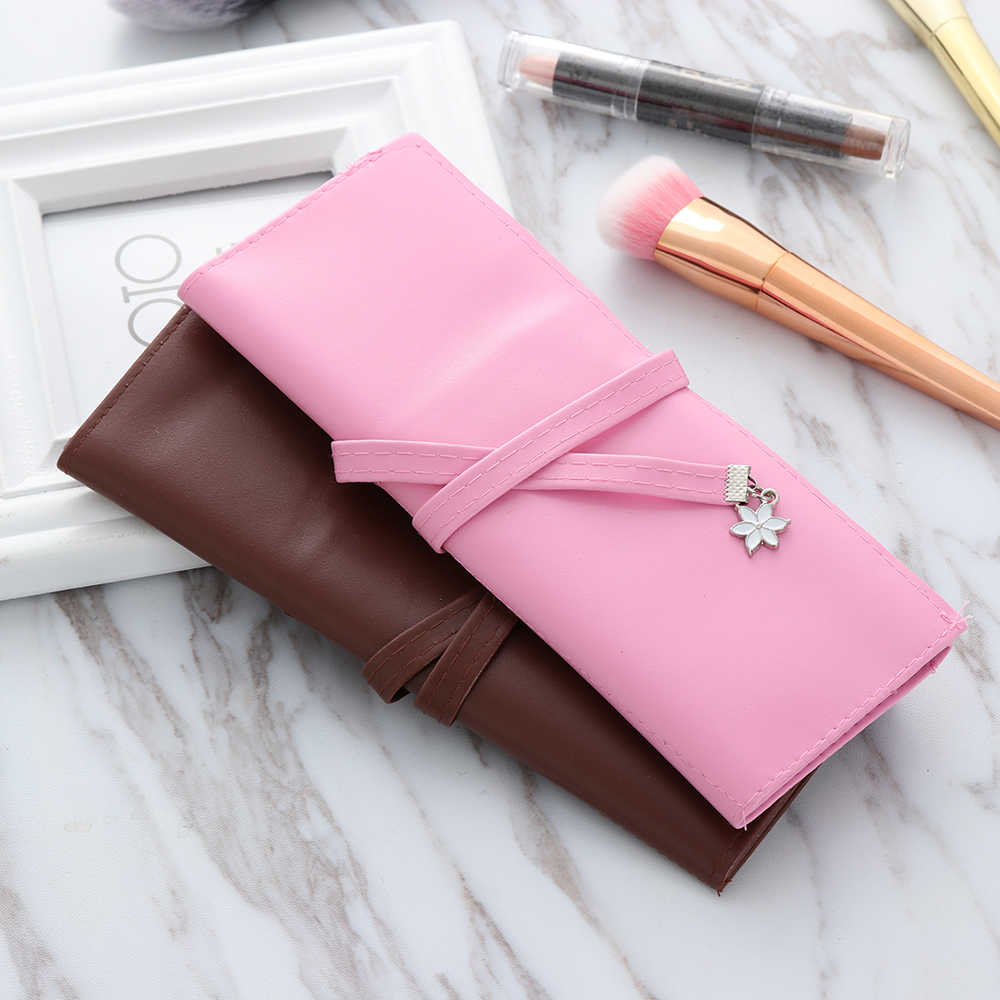 1 Pcs  Fashion Women Cosmetic Bag  Retro Roll Leather Makeup Cosmetic Brush Pen Pencil Case Organizer Makeup tool