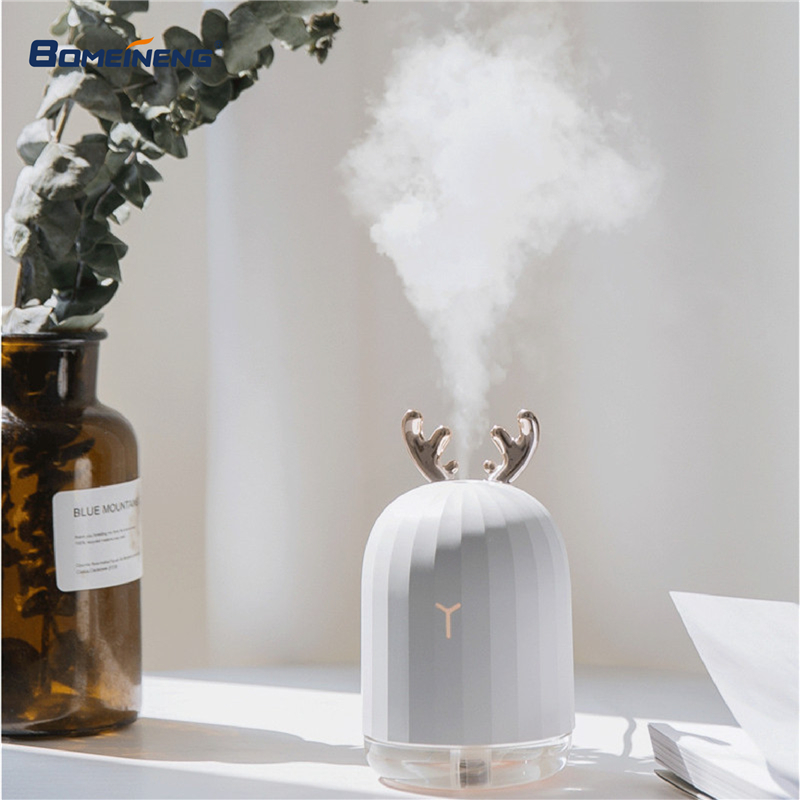 BOMEINENG 220ML Christmas White Deer Air Humidifier Essential Oil Diffuser for Home Car Aromatherapy Aroma Diffuser with Lamp bomeineng 220ml white deer mini air humidifier essential oil diffuser aromatherapy household ultrasonic humidifier usb diffusers