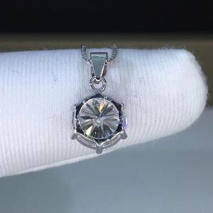 Image 2 - Gümüş 925 takı yuvarlak moissanite kolye 1.00ct D VVS 925 gümüş kolye klasik altı pençe kolye kadınlar için