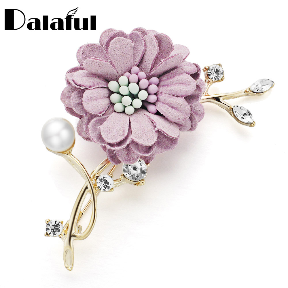 Dalaful daisy flower brooch pin fashion hot fabric crystal leaves dalaful daisy flower brooch pin fashion hot fabric crystal leaves simulated pearl brooches for women suits lapel pin z077 in brooches from jewelry izmirmasajfo