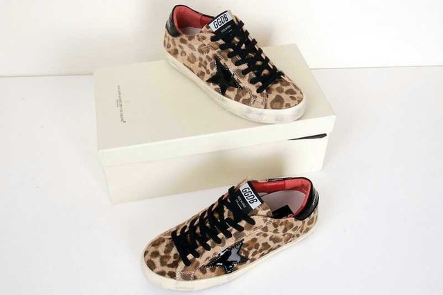 846127a057 US $108.0  2015 Fashion Golden Goose Sneakers Deluxe Brand, Superstar  Glitter Sneakers Genuine Leather Man And Women Leopard Shoes-in Men's  Casual ...