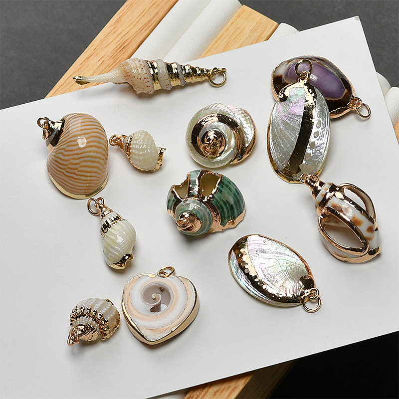 Newest Fashion Gold Tone Plated Colorful Natural Shell Pendant Charms 10Pcs/Lot Fashion Sea Snail Bells DIY Necklace Pendant chic bells necklace