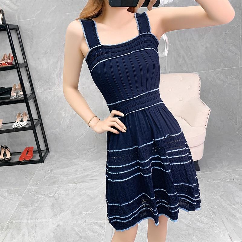 Alta Qualidade Estilo Cinta Vestido 2019 Outono Das Mulheres Bloco de Cor Tricô Sem Mangas Azul Escuro Branco Casual Doce Vestido Bonito Meninas - 3