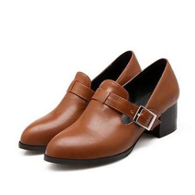 Nuevo 2016 de La Moda Señaló Dedo Del Pie Cuadrado de Tacón Bajo Zapatos de Las Mujeres de la vendimia de La Pu de Cuero Bombas de Las Mujeres Casual de Las Señoras Zapatos de Tacones Altos 31-47