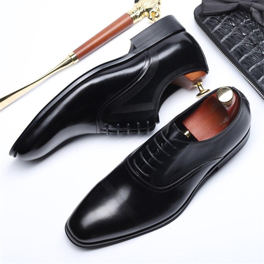 ผู้ชายรองเท้าหนังธุรกิจจัดเลี้ยงแบบสบายๆรองเท้าผู้ชาย Bullock หนังแต่งงานรองเท้าบุรุษสีดำสีน้ำตาล 2019-ใน รองเท้าทางการ จาก รองเท้า บน   1