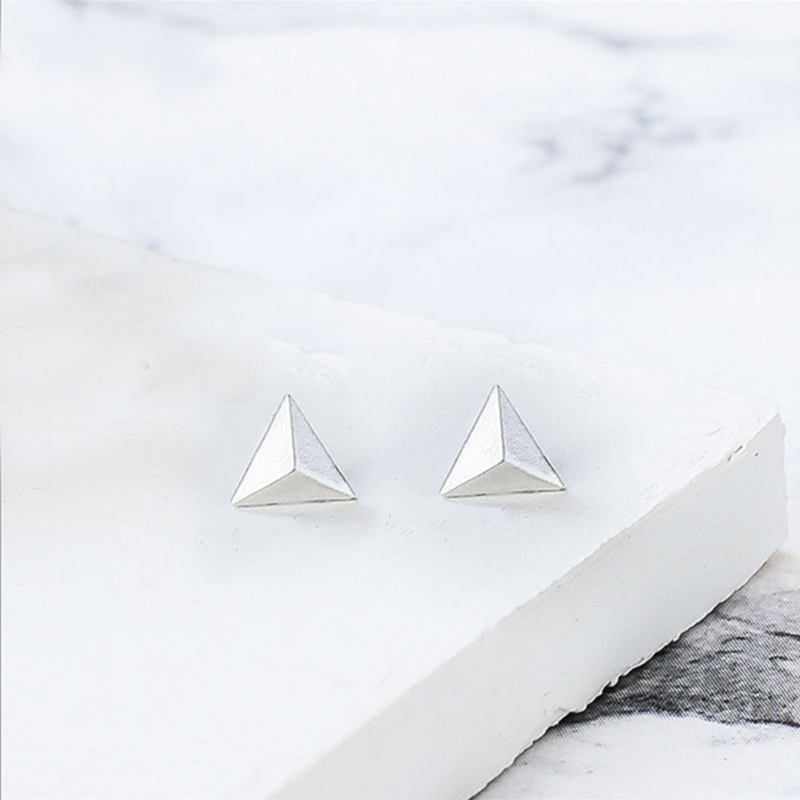 10Pairs Tiny Triangle Earrigs Studs Simple Punk Style Geometric Spike Earings For Men Women Summer Fashion Jewelry