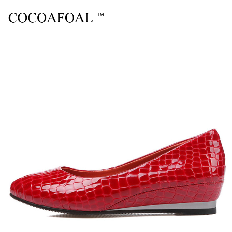 COCOAFOAL Woman Red Wedge Shoes Fashion Patent Leather Flats Black Spring Autumn Shallow Genuine Leather Platform Loafers 2017 lovexss genuine leather white flats lace up woman girl student shoes 2017 spring autumn loafers shallow crystal flats