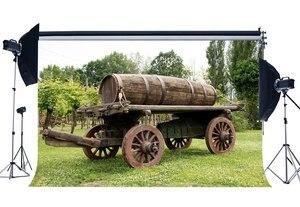 Image 1 - Весенний фон деревенский Countyard винтажный старинный деревянный сельскохозяйственный автомобиль лоза литые Джунгли Лес зеленая трава Луг фон