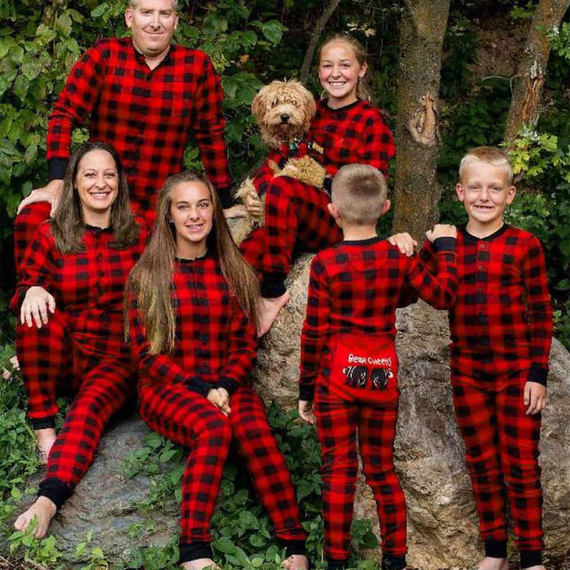 Emmababy Rompers Family Matching Jumpsuit 2018 New One Piece Suit Father And Mother And Daughter Son Plaid Christmas Pajamas babar and father christmas