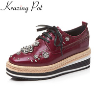 Krazing Pot Brand Shoe Runway Wedges Flower High Heel Increased Metal Decoration Lace Up Platform Sneaker