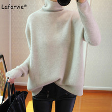купить Lafarvie Cashmere Blended Turtleneck Knitted Sweater Women Autumn Winter Long Sleeve Casual Loose Thick Warm Pullover Female по цене 2134.35 рублей