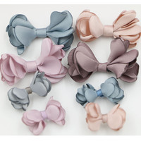 Envío libre 40 unids/lote gasa Telas nudo flor arcos fit Niñas Bisutería para pelo DIY Zapatos Garment Ornament decoración stick