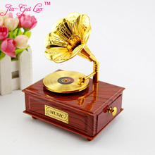 The new phonograph music box Creative retro elegant music box Student teachers' day gift desktop furnishing articles jia-gui luo