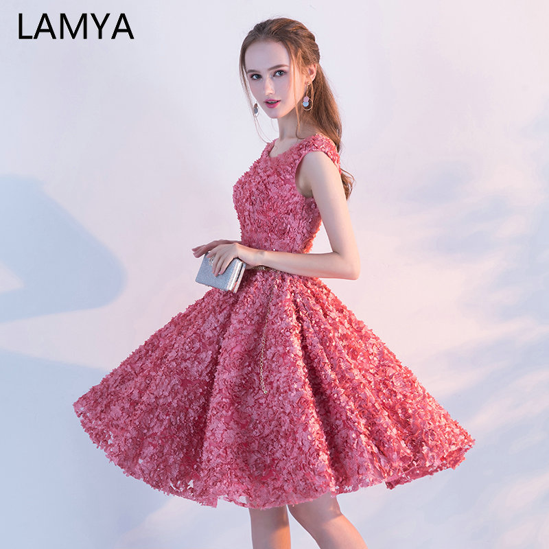 LAMYA Backless Appliques Short A Line Prom Dresses 2019 Knee Length Evening Party Dress Lace Up Formal Gown Robe De Soiree