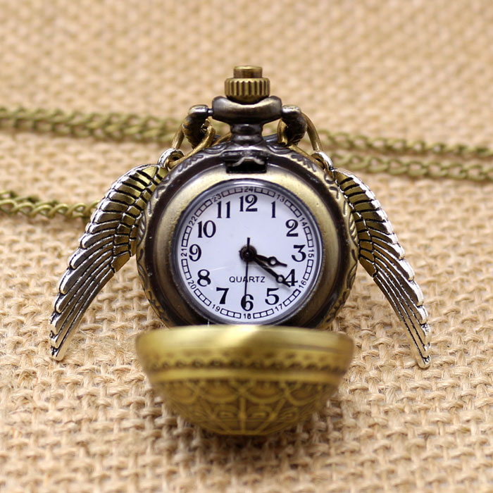 Free Drop Shipping Elegant Golden Snitch Quartz Fob Pocket Watch With Sweater Necklace Chain old antique bronze doctor who theme quartz pendant pocket watch with chain necklace free shipping