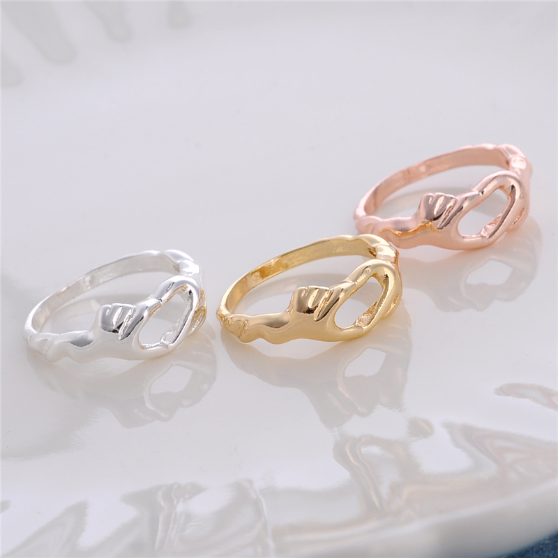 30pcs Unique Hands Heart Ring Jewelry Hand holding Heart Ring