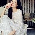 Новая Мода Из Двух Частей Шелковые Пижамы Установить Sexy Чулок Вышитые Шелковые Пижамы Длинные Халаты Белый Халат Наборы Пижамы