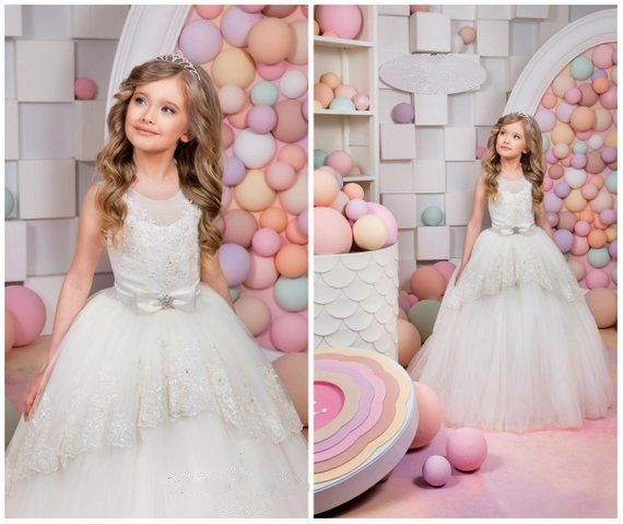 Glitter lace-up keyhole back ivory little girl holy communion dress with beaded lace ball gown flower girl dresses for wedding pleated panel keyhole back dress