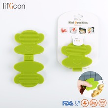 Liflicon 2pcs Cute Silicone Oven Mitts Heat Resistant Gloves Clip Insulation Anti-skid Pot Holder Non-slip Baking Tools