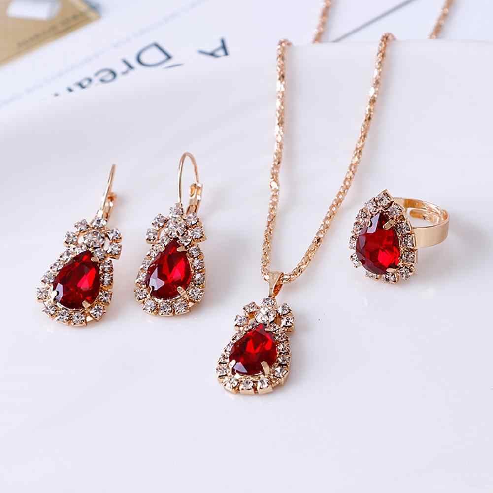 Moda gota de agua brillante collar con brillantes pendientes de anillo conjunto de joyas de mujer elegante diseño de lujo Nueva joyería de boda