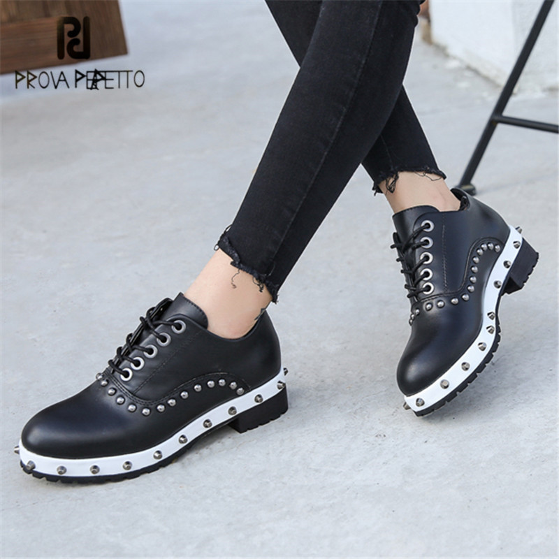 Prova Perfetto Rivets Studded Women Casual Platform Flat Shoes Lace Up Tenis Feminino Female Espadrilles Flats Ladies Creepers prova perfetto horsehair ankle boots for women lace up platform flats comfortable creepers female flat rubber boot espadrilles
