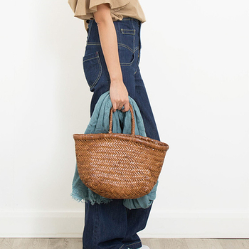 66c6adfce9c6 El-2019-de-las-mujeres-marca-Tote-bolso-de-cuero-genuino-hecho-a-mano-tejido-bolso.jpg_350x350.jpg