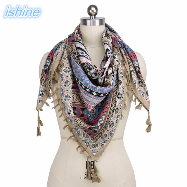 ad24570e070 US $8.81 39% OFF|2018 Spring Hot Sale Fashion Woman Scarf Square Scarves  Bohemian Ethnic Style Tassel Printed Women Wraps Ladies Shawls -in Women's  ...