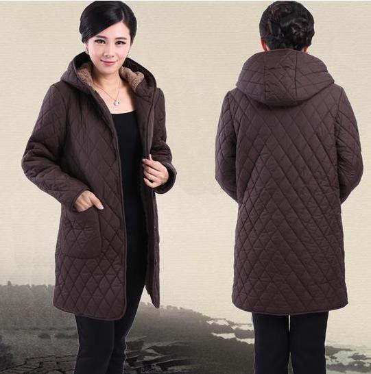 Подпушка пальто 2017 женщин Зимняя куртка, пальто для женщин среднего возраста XL-6XL зимняя бархатная куртка с капюшоном куртка для мамы парка 81598