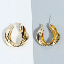 New Arrival Gold Hammered Metal Twist Leaf Feather Minimalist Clip Earrings Fashion Korean Chic Ear Jewelry Party Accessories
