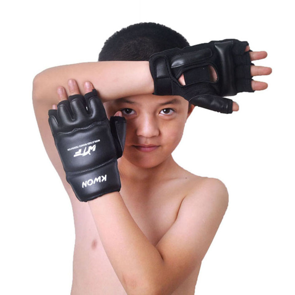 Bambini i Bambini mezza finger Guanti Pugilato Sanda Karate Sandbag Taekwondo Protettore di Età 3-12