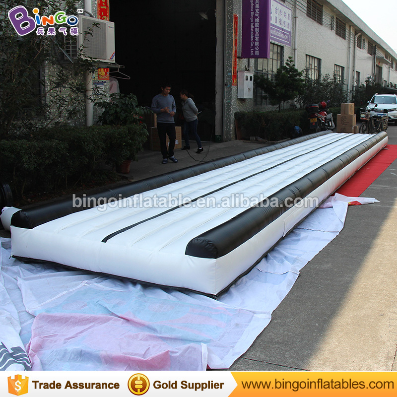 цены  Free Shipping 12X2 Meters Inflatable Gymnastics mats air track high quality black and white color blow up gym mat for Toys sport