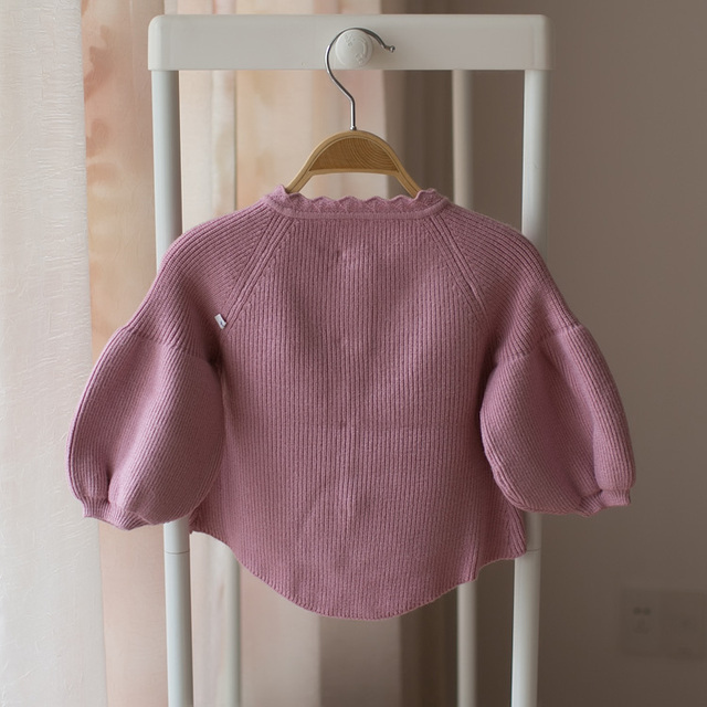 New baby cardigan in spring and autumn of 2018. the coat of the bubble sleeve.