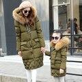 Familia equipada de 2016 Chaqueta de invierno Mujeres Abajo chaquetas de las mujeres medio-largo abajo engrosamiento ropa de abrigo abrigo de cuello de piel grande