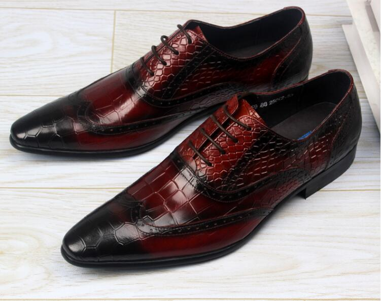 Dress shoes men lace up stone pattern plaid carved brogue shoes poined toes genuine leather mix colour luxury smart casual sheos loose fit casual thicken plaid lace up wool pants for men