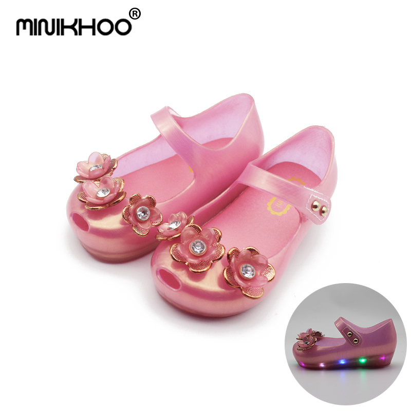 Mini Melissa LED Flash Flower 2018 New Girl Jelly Sandals Beach Sandals Melissa Girls Sandals Baby Shoes Sandals High Quality