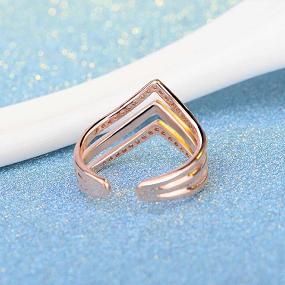Kinitial חמוד V צורה משולש טבעת נצח אירוסין הטוב ביותר חבר אהבה אינסופית סמל אופנה CZ קראון טבעות תכשיטים לנשים
