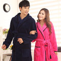 Ватки пары с длинными рукавами с капюшоном одежды осень и зима человека женщин мило сплошной цвет ночная рубашка отдыха халат