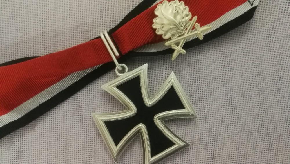 "2.3/"" Anime sword art online badges Pins Schoolbag 5.8CM"