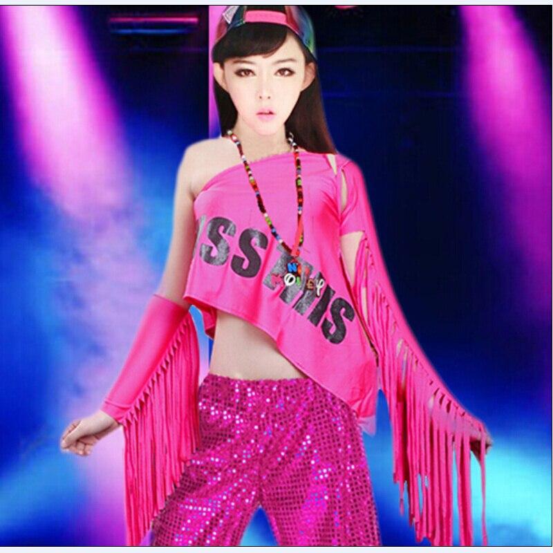 Atractivo Tiendas De Vestir La Parte Superior De Baile Imagen ...