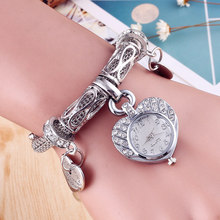 Cindiry Unique Fashion Quartz Watch Women Silver Gold Mesh Belt Quartz Bracelet Watch Diamond Heart Pendant Wrist Watch 2017