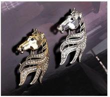 Chinese zodiac paard hoofd snaps een corsage pin broche gesp