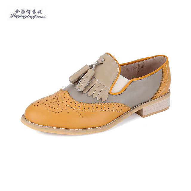 Britischen Stil Oxford Schuhe für Frauen Leder Brogues Frauen Oxfords  Quasten Plattform Fringe Wohnungen Schuhe Frau 54a9e66a01