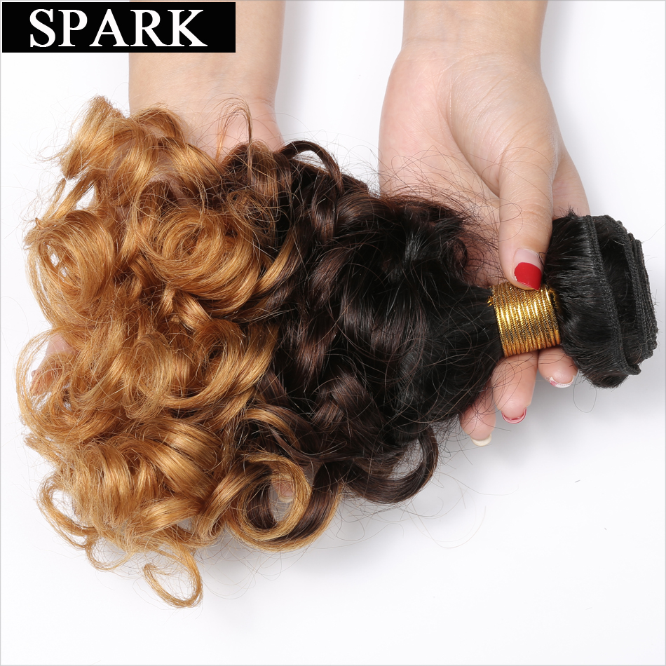 Spark 1B / 4/27 Ombre brasilianska Loose Bouncy Curly Hair Bundles 3 Tone Remy Mänskliga Hårförlängningar 1/3 / 4PCS Hair Weave Bundles